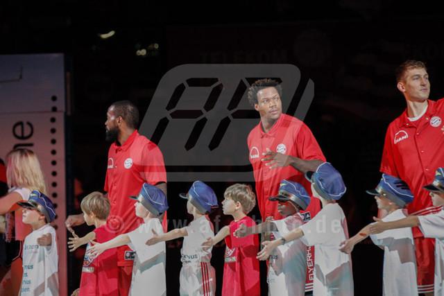 20151101_AF_W7F1654 | K.C. RIVERS - USA - (#5/Guard/FC Bayern Basketball)\ Deon THOMPSON - USA - (#9/Power Forward/Center/FC Bayern Basketball)\   Basketballgame FC Bayern vs. BG Göttingen in Munich, GERMANY at 01. November 2015  Bundesligaspiel in der deutschen Beko Basketballbundesliga zwischen dem FC Bayern Basketball und den BG Göttingen. Spielort ist der Audidome am 01.11.2016.   Basketballgame FC Bayern vs. BG Göttingen, Munich, GERMANY, , Beko Basketballbundesliga, 1. League, Germany, Audidome  Honorarpflichtiges Bild,  - fee liable image - Photo Credit: © ATP FREIESLEBEN Alexander