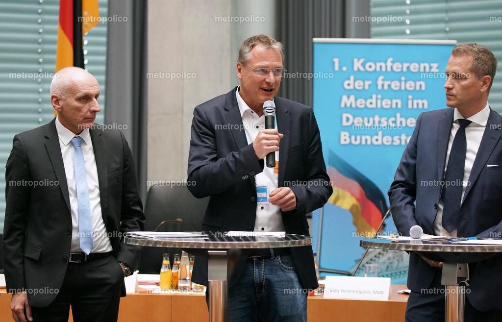 Michael Stürzenberger spricht Uwe Schulz Petr Bystron 1. Konferenz der freien Medien im Bundestag