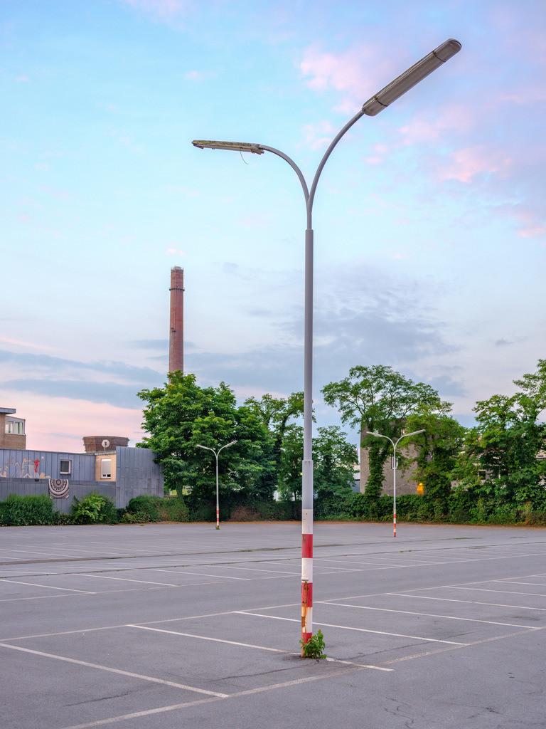 Parkplatz an der Mielestraße   Laternen auf dem Parkplatz an der Mielestraße in Bielefeld.