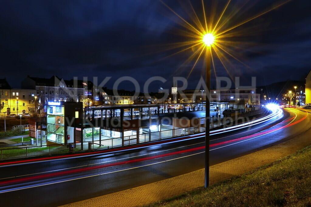 Stadtbahnhof Iserlohn | Nachtaufnahme vom Parkhaus am Stadtbahnhof in Iserlohn.
