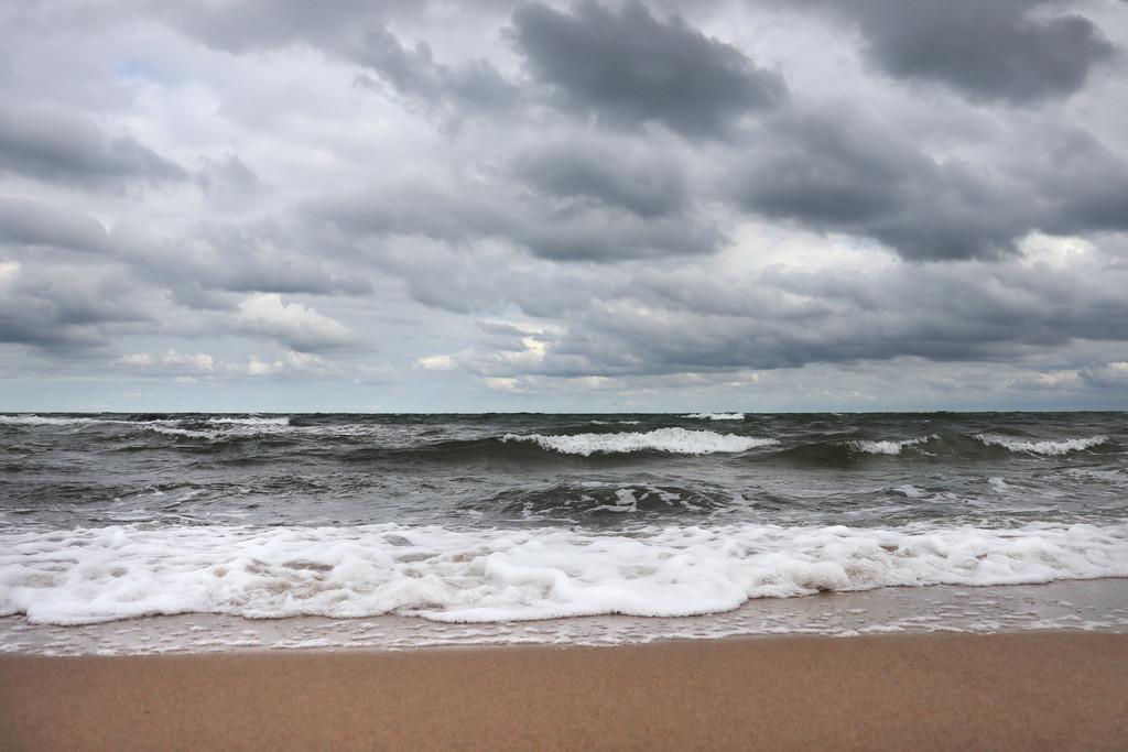 Wellen am Ostseestrand   Herbst am Meer