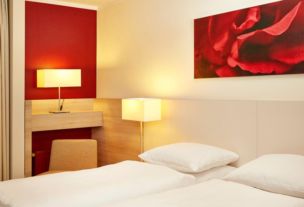 zimmer-twin-allergiker-03-hplus-hotel-bad_soden