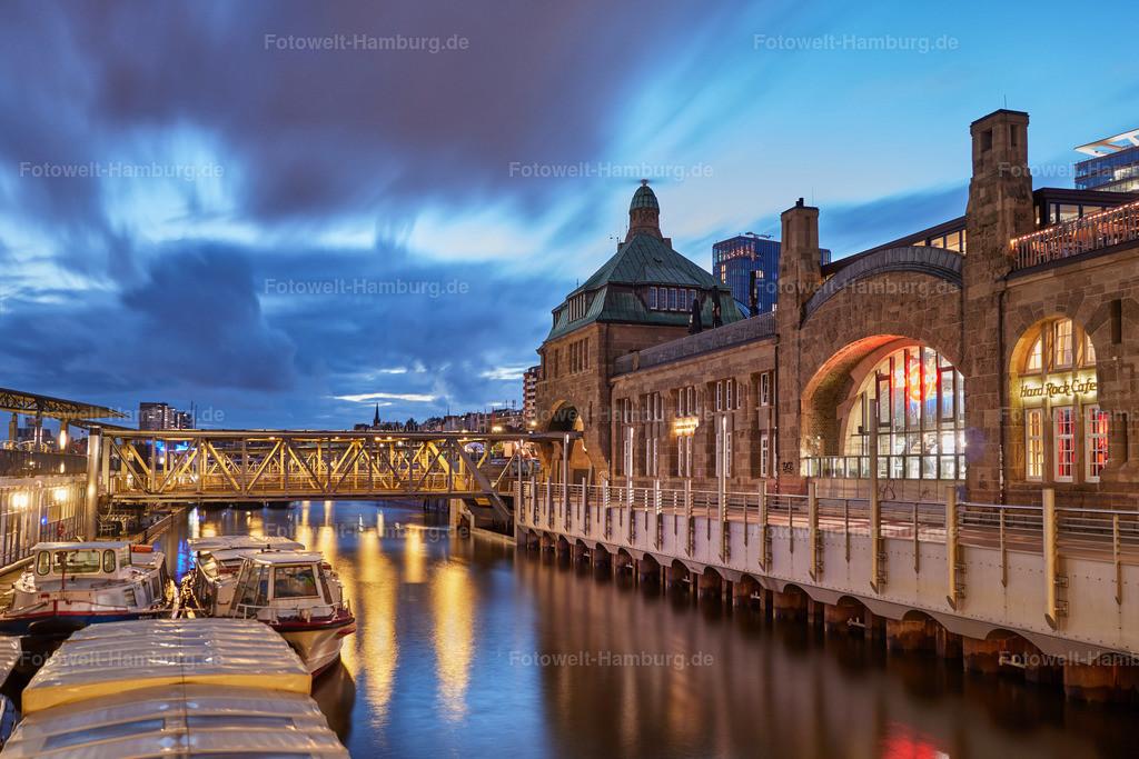 12003290 - Abend an den Landungsbrücken
