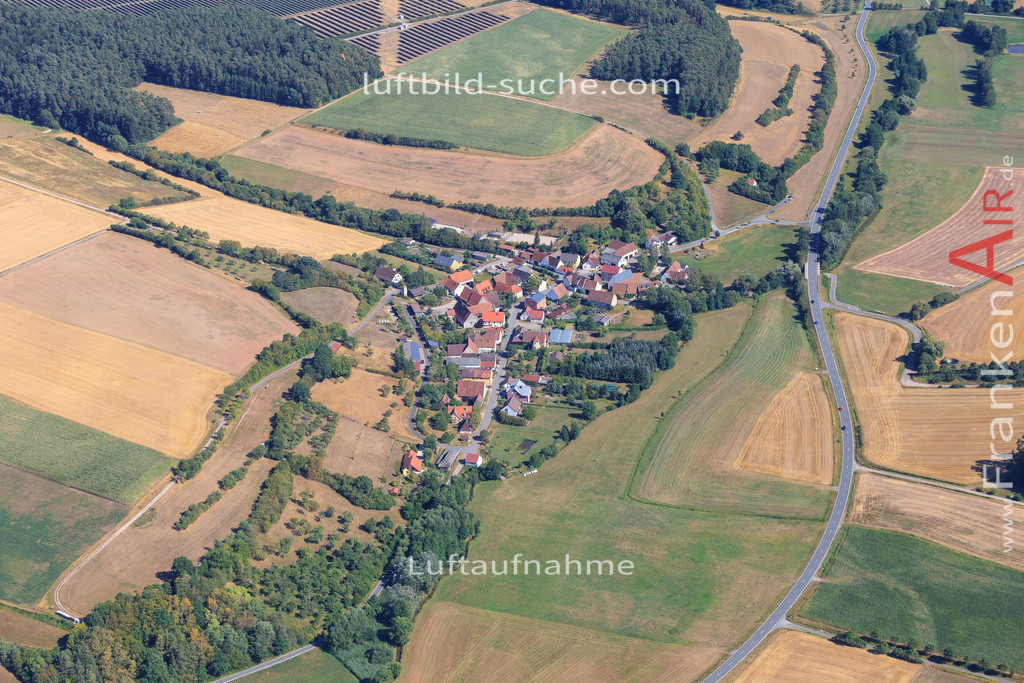 luftbild-gutenstetten-2015-4996 | Luftbild von  Gutenstetten - Luftaufnahme wurde 2015 von https://frankenair.de mittels Flugzeug (keine Drohne) erstellt - die Geschenkidee