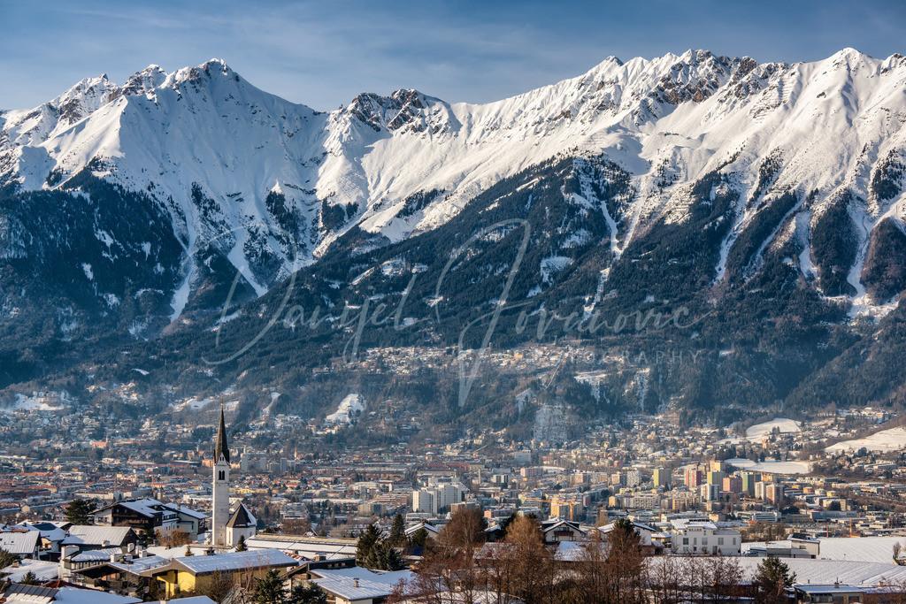 Aldrans | Blick über Aldrans auf Innsbruck und die Nordkette