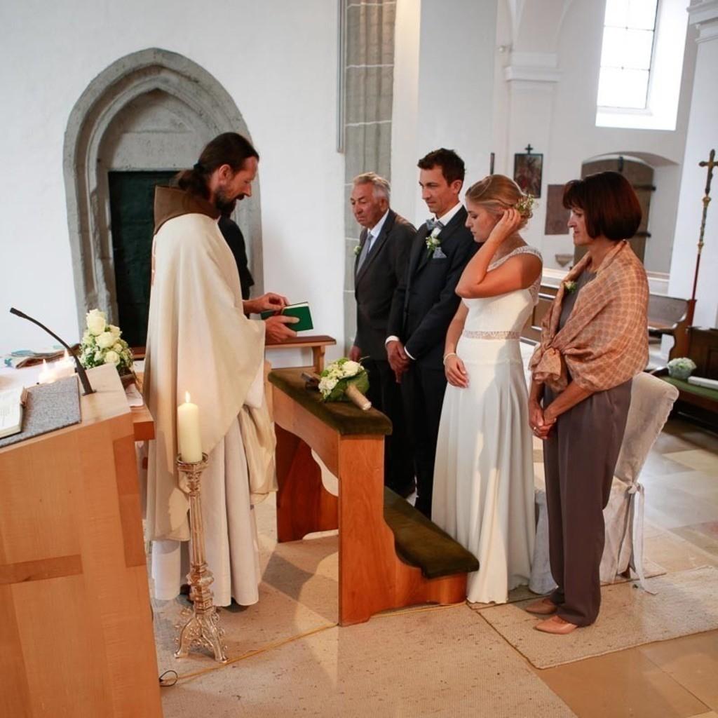Carina_Florian zu Hause_Kirche WeSt-photographs02593