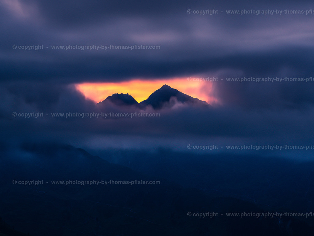 Sonnenuntergang Tettensjoch Blick auf den Hirzer