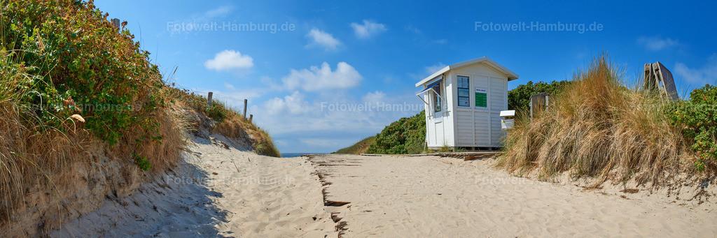 10180803 - Weg zum Strand | Weg über die Dünen auf Sylt mit Strandhäuschen.