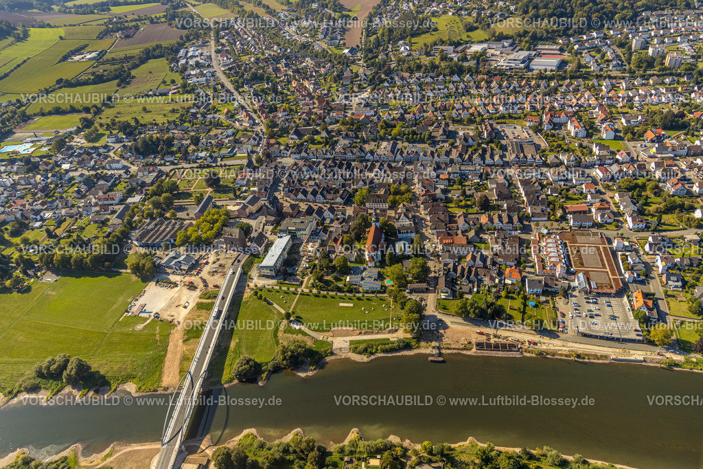 Beverungen200911599Weser | Luftbild, Fluss Weser, Weserbrücke Beverungen-Lauenförde, Beverungen, Ostwestfalen-Lippe, Nordrhein-Westfalen, Deutschland
