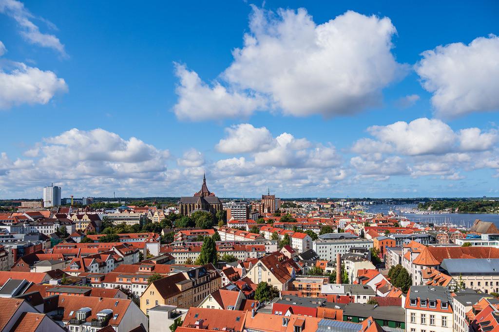 Blick über die Dächer der Hansestadt Rostock   Blick über die Dächer der Hansestadt Rostock.