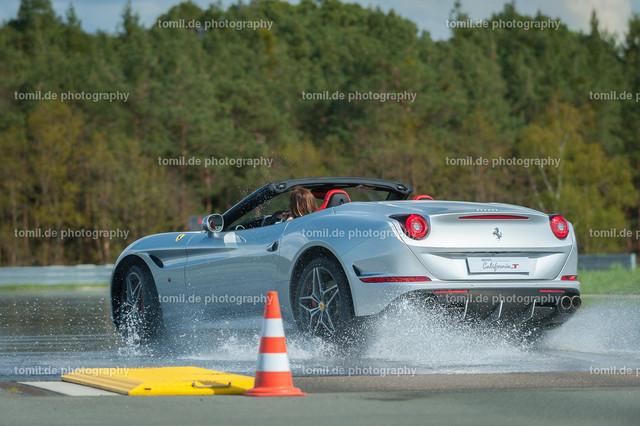 Ferrari_Ladys_Day_20150426_Nbay-0692