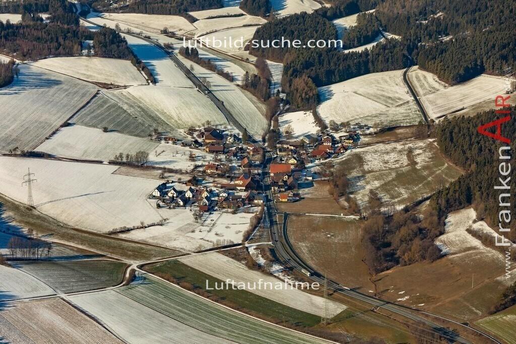 loesau-kulmbach-19-202   aktuelles Luftbild von Loesau Kulmbach  - Luftaufnahme wurde 2019 von https://frankenair.de mittels Flugzeug (keine Drohne) erstellt.