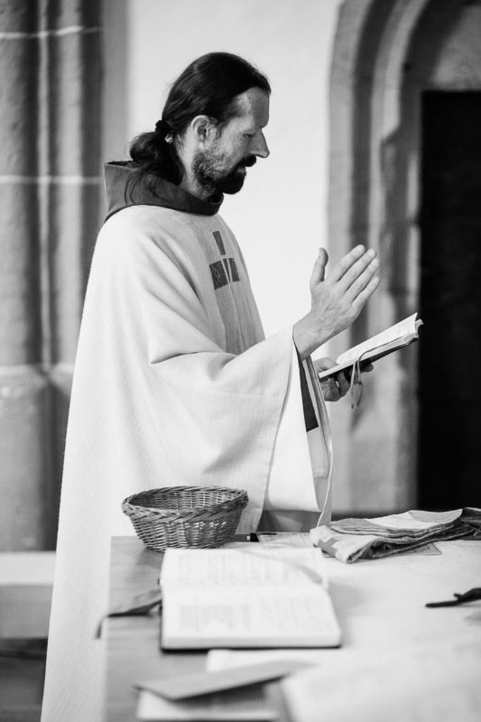 Carina_Florian zu Hause_Kirche WeSt-photographs03338
