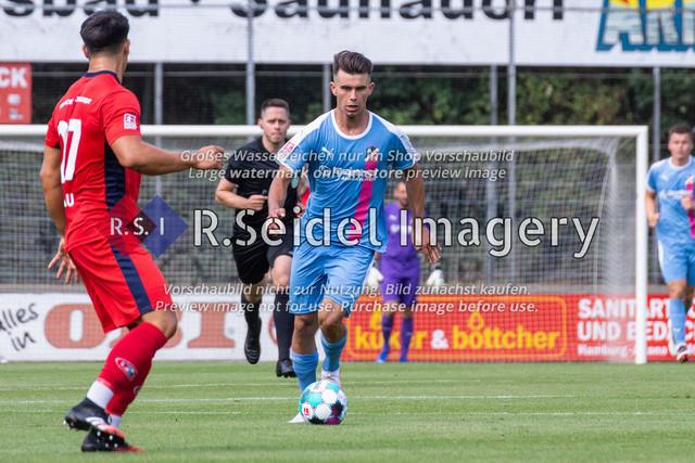 Fußball, Herren, LOTTO-Pokal Halbfinale, FC Eintracht Norderstedt - Altona 93, Edmund-Plambeck-Stadion, 16.08.2020   Nikola Kosanic (#6, AFC, Offensives Mittelfeld)