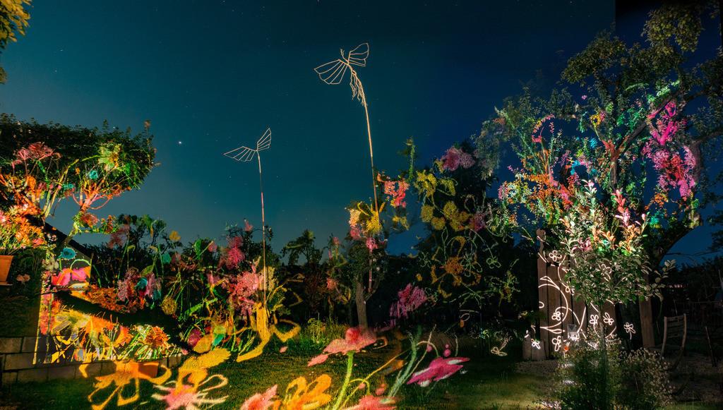 Bunter Abend 7 | Den Garten in ein Märchen verwandeln.Es bedarf nur  viele meiner Bilder, einen Photoapparat, 6 Projektoren, einen Kopf voll Ideen und einen Abend Zeit sie sichtbar zu machen. Diese Motive können sich auch zur Gestaltung von Postkarten, Einladungen oder Sprüchen eignen. - enjoy!