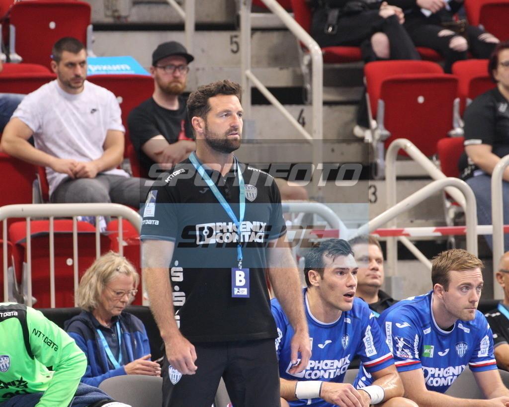 Handball Supercup | TBV Trainer Florian Kehrmann - © by K-Media-Sports / Sportfoto-Sale.de