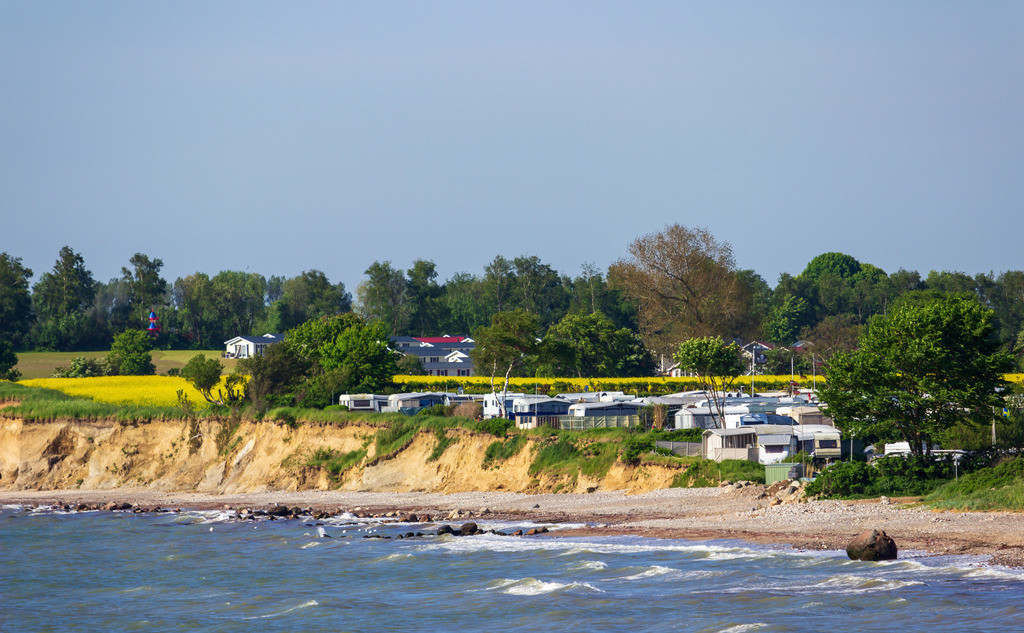 Steilküste in Waabs | Rapsblüte am Campingplatz in Hökholz