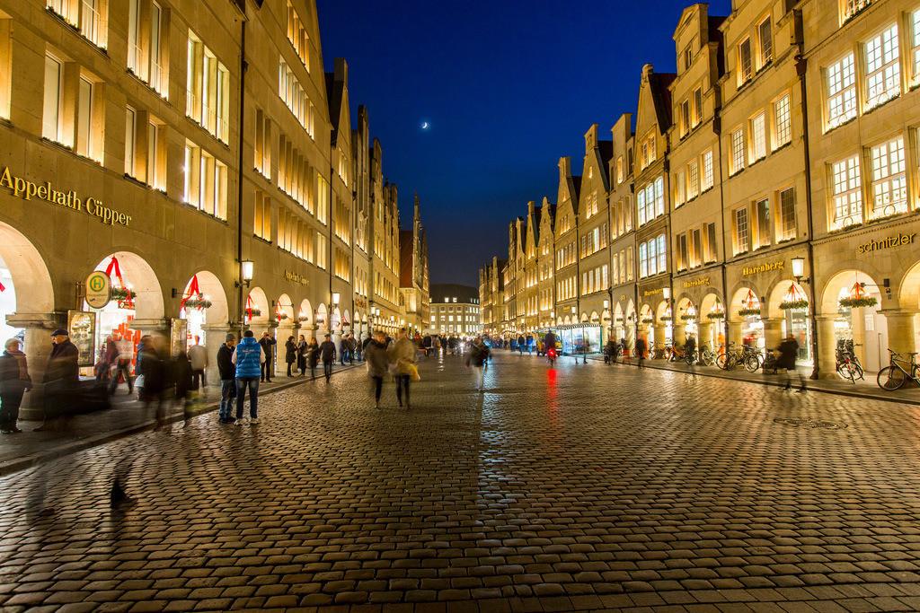 JT-151215-384 | Giebelhäuser am Prinzipalmarkt, zur Weihnachtszeit, beleuchtet, Innenstadt von Münster,