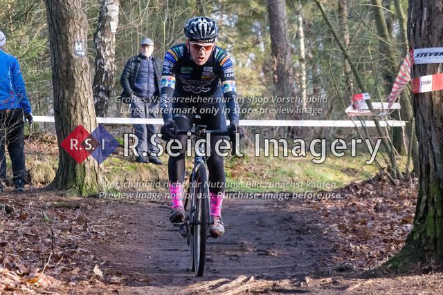 Radsport, Stevens Cyclocross Cup 2019, 10. Lauf (RSG Nordheide), Rennen 9 (Elite Herren + U23, Masters 2 / Elite Ü40 und Junioren U19), Buchholz i.d.N., 19.01.2020   Nils Koß (Mc Pirate, #11, Elite)