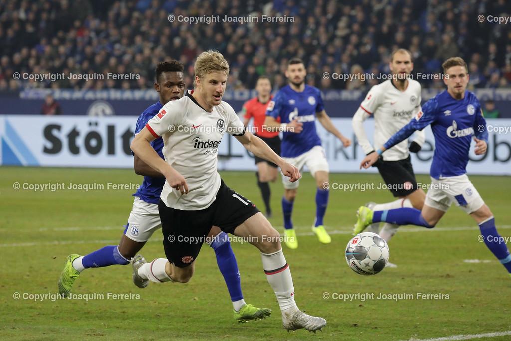 191215_schvssge_0074 | 15.12.2019 Fussball 1.Bundesliga, FC Schalke 04 - Eintracht Frankfurt  emspor  v.l.,  Martin Hinteregger  (Eintracht Frankfurt)    (DFL/DFB REGULATIONS PROHIBIT ANY USE OF PHOTOGRAPHS as IMAGE SEQUENCES and/or QUASI-VIDEO)