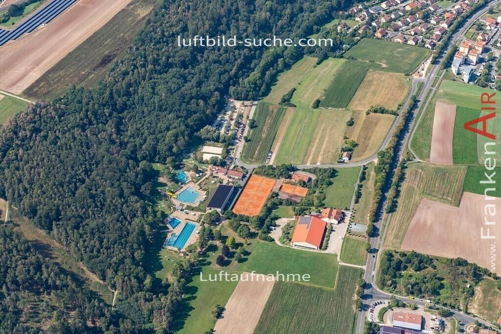 neustadt-aisch-19-306   aktuelles Luftbild von  Neustadt-aisch - Luftaufnahme wurde 2019 von https://frankenair.de mittels Flugzeug (keine Drohne) erstellt.