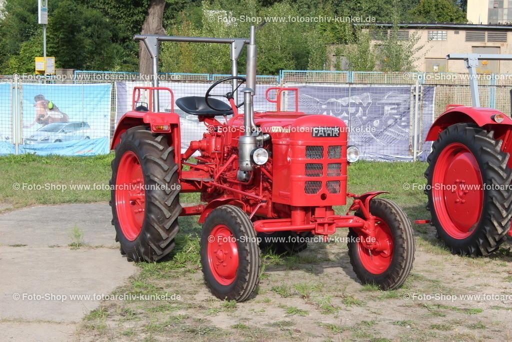 Fahr D 180 H Traktor, Schlepper (24 PS), 1954-59 | Fahr D 180 H Traktor, Schlepper, Farbe: Rot, Bauzeit: 1954-1959, Baureihe D (Bezeichung nach Hubraum), Leistung 24 PS, BRD, Deutschland