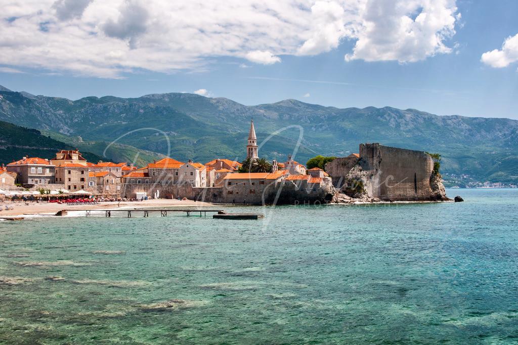 Budva   Blick auf die Altstadt von Budva