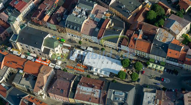 luftbild-traunstein-stadtplatz-bruno-kapeller-27 | Luftaufnahme vom Stadtplatz in Traunstein, historische Altstadt, 2013.