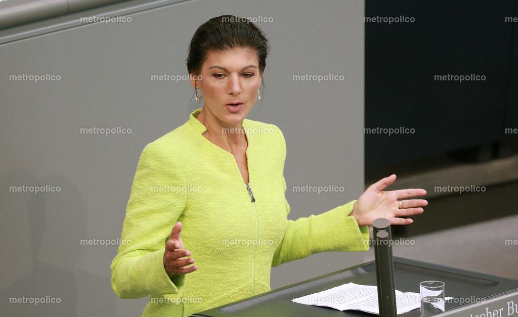 Sahra Wagenknecht Rednerpult Bundestag