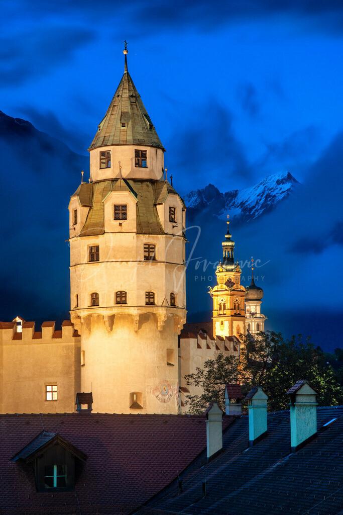 Münztum   Burg Hasegg mit dem Münzturm in Hall in Tirol