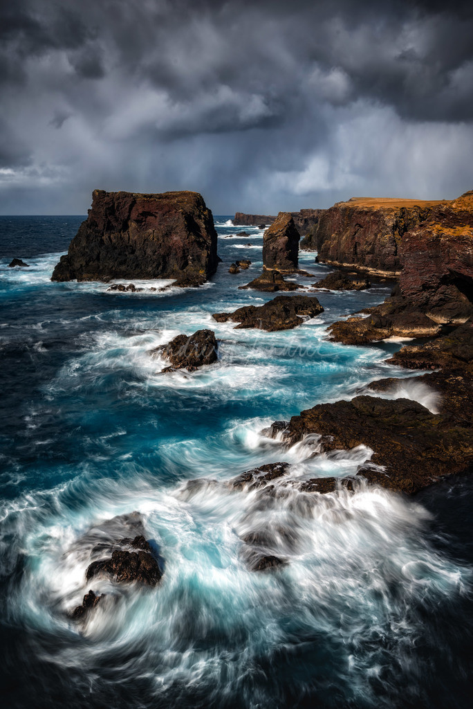 Klippen im Sturm