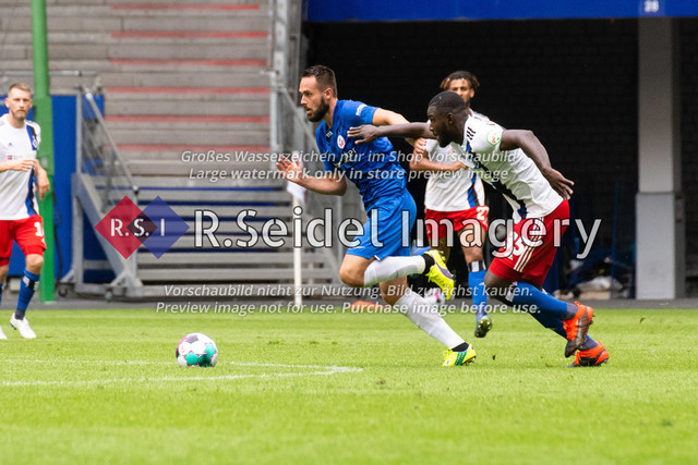 Fußball, Herren, Testspiel, Hamburger SV - FC Hansa Rostock, Volksparkstadion, 09.08.2020   Pascal Breier (#39 Hansa Rostock), Stephan Ambrosius (#35 HSV)