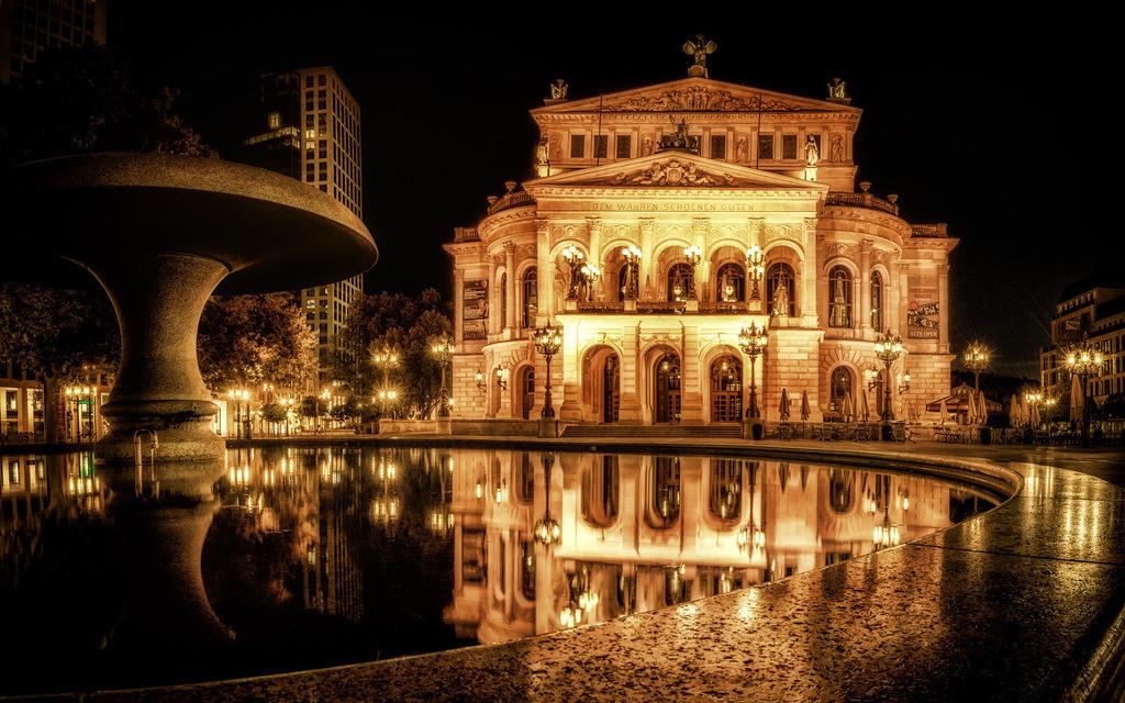 Die alte Oper Frankfurt  | am frühen morgen in Frankfurt