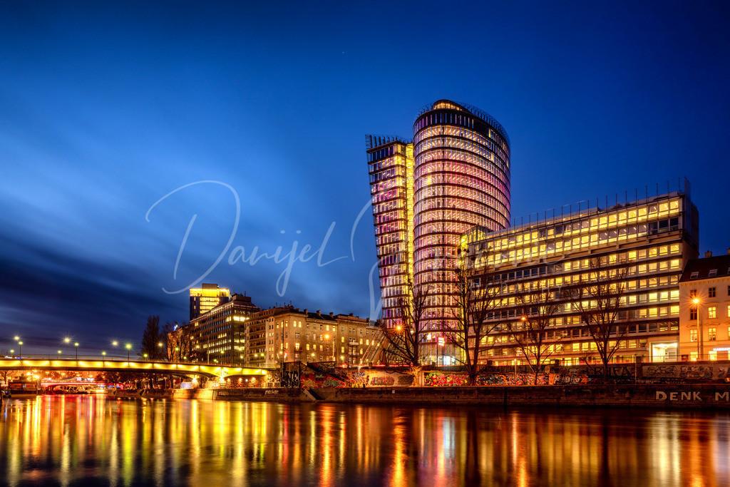 Uniqa Tower | Der Uniqa Tower am Donaukanal