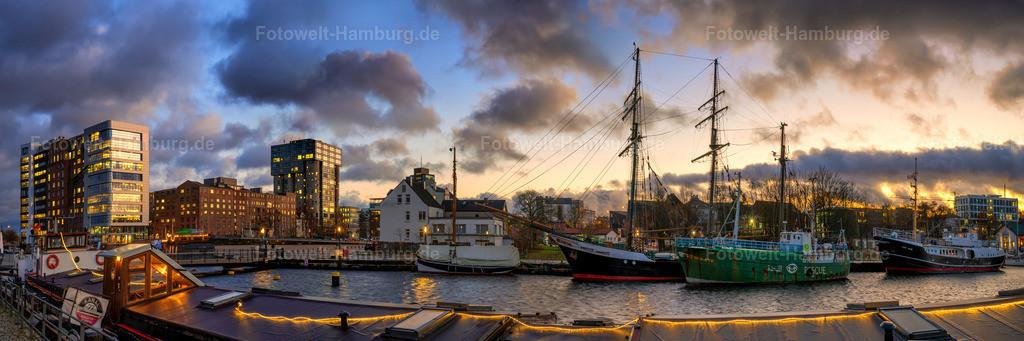 10210105 - Sonnenuntergang im Harburger Binnenhafen | Panoramablick über den Lotsekanal im Museumshafen Harburg.