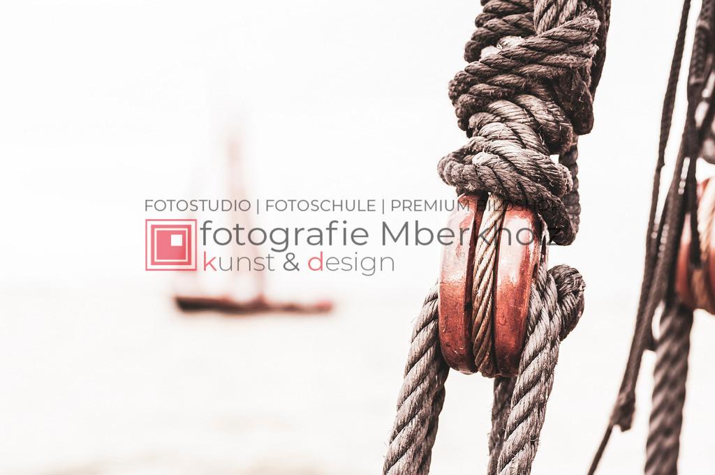 @Marko_Berkholz_mberkholz_MBE6603   Die Bildergalerie Zeesenboot   Maritim   Segel des Warnemünder Fotografen Marko Berkholz zeigt maritime Aufnahmen historischer Segelschiffe, Details, Spiegelungen und Reflexionen.