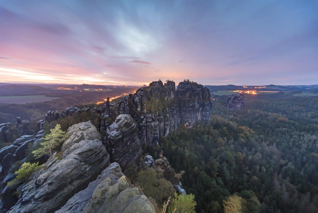 Düstere Felsen, Schrammsteine, Elbsandsteingebirge | Die Serie 'Deutschlands Landschaften' zeigt die schönsten und wildesten deutschen Landschaften.