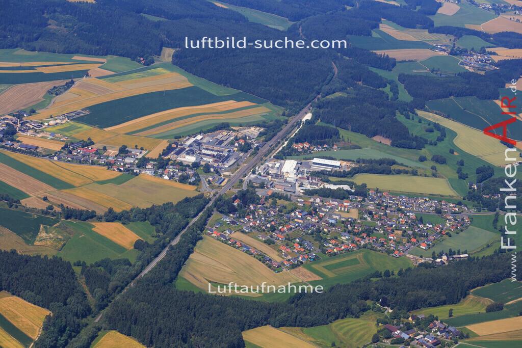 holenbrunn-wunsiedel-2014-3237 | Luftbild von Holenbrunn Wunsiedel - Luftaufnahme wurde 2014 von https://frankenair.de mittels Flugzeug (keine Drohne) erstellt - die Geschenkidee