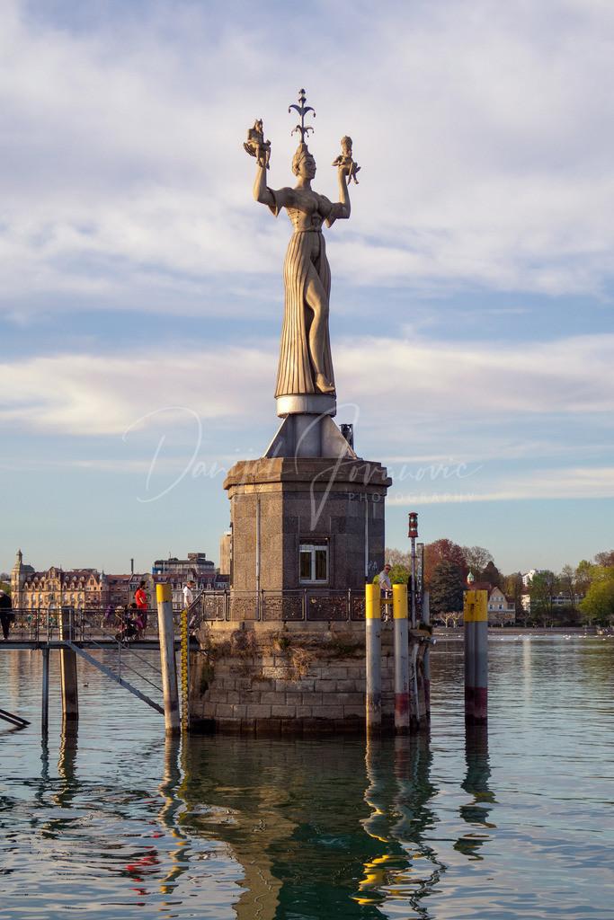 Imperia | Imperia Statue im Hafen von Konstanz