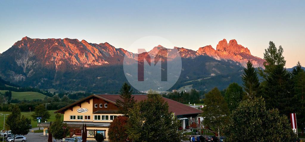 Alpenglühen im Tannheimertal, Tirol Österreich