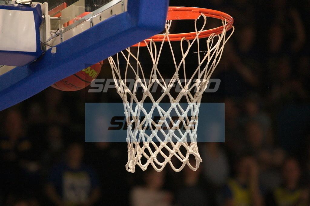 Phoenix Hagen - Kirchheim Knights | Der Basketball klemmt fest