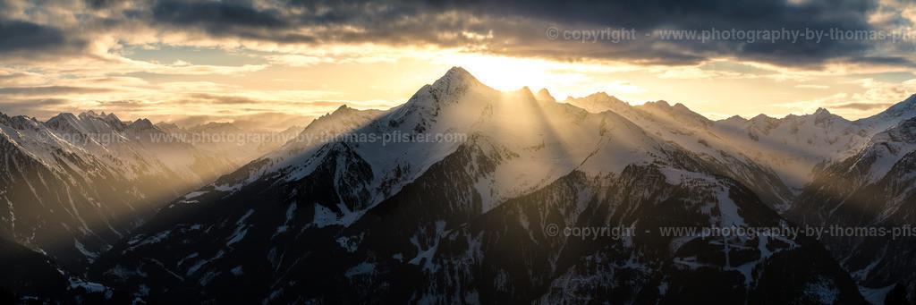 Sonnenaufgang Zillertaler Alpen Blick zur Ahornspitze