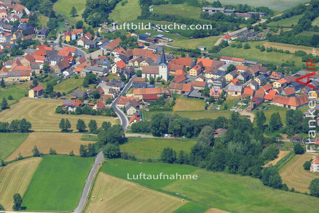 burghaslach-2015-1619 | Luftbild von  Burghaslach - Luftaufnahme wurde 2015 von https://frankenair.de mittels Flugzeug (keine Drohne) erstellt - die Geschenkidee
