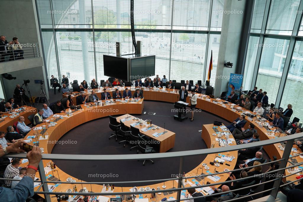 Medienkonferenz Bundestag Plenum Saal freie alternative Medien bei der AfD Fraktion am 10. Mai 2019 im Bundestag (2)