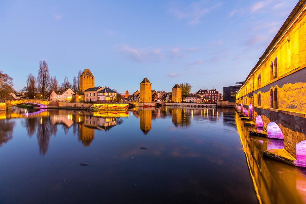 jt-1512-09-122 | Türme der gedeckten Brücken, Ponts couverts, Teil der ehemaligen Stadtbefestigung,  Fluss Ill, Straßburg, Elsass, Frankreich,