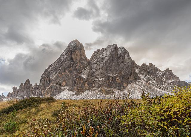 Würzjoch   Das Würzjoch in den Dolomiten ist einer der eindrücklichsten Berge
