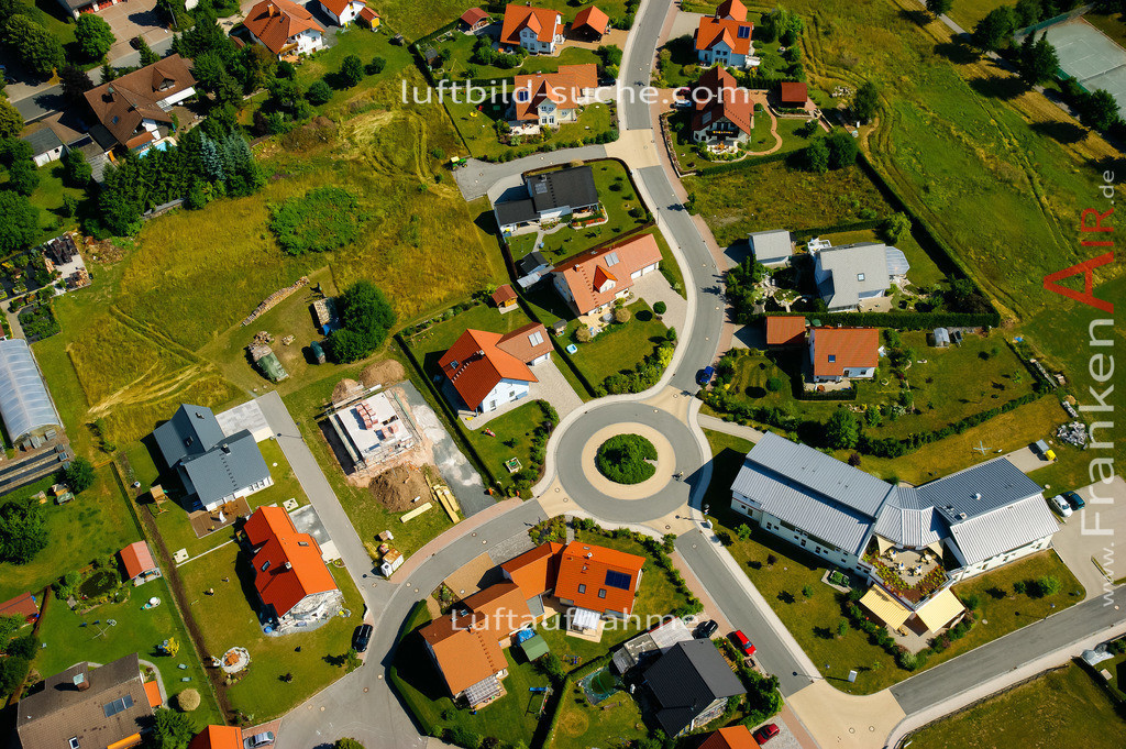 luftaufnahme-stockheim-2008-633   Luftbild von  Stockheim - Luftaufnahme wurde 2008 von https://frankenair.de mittels Flugzeug (keine Drohne) erstellt - die Geschenkidee