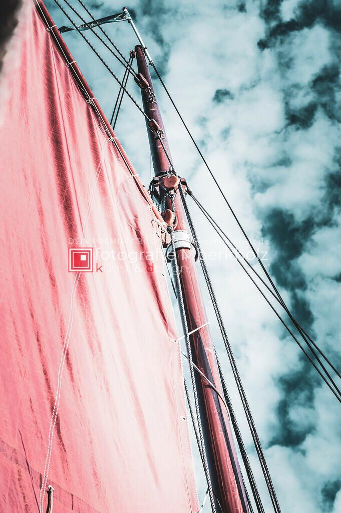 @Marko_Berkholz_mberkholz_MBE6700   Die Bildergalerie Zeesenboot   Maritim   Segel des Warnemünder Fotografen Marko Berkholz zeigt maritime Aufnahmen historischer Segelschiffe, Details, Spiegelungen und Reflexionen.