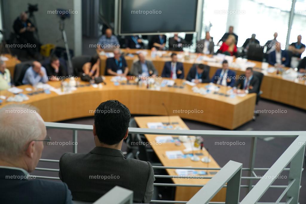 Konferenz Sitzung Ausschuss Bundestag