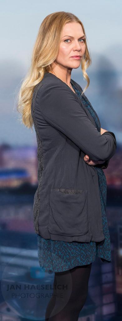 """Anna Loos beim Fototermin in Hamburg am 5.11.2015: """"Die Stadt und die Macht"""